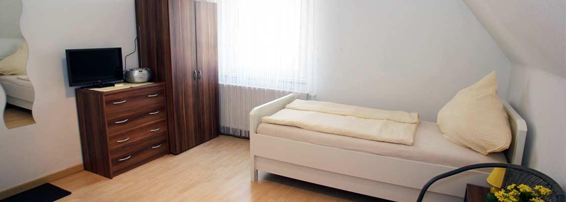 Pension in Kirchlengern - Zweibettzimmer 3 (Sliderimage)