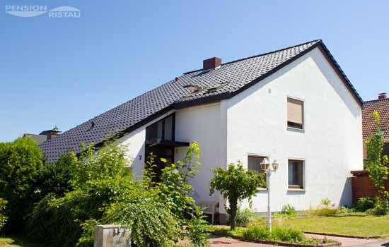 Pension Ristau Buende, Kirchlengern - Aussenansicht des Hauses von der Strasse